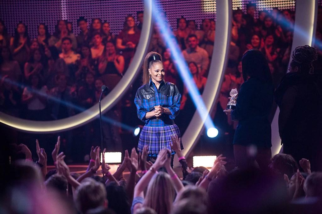 Janet Jackson, 2018 Radio Disney Music Awards, Stage