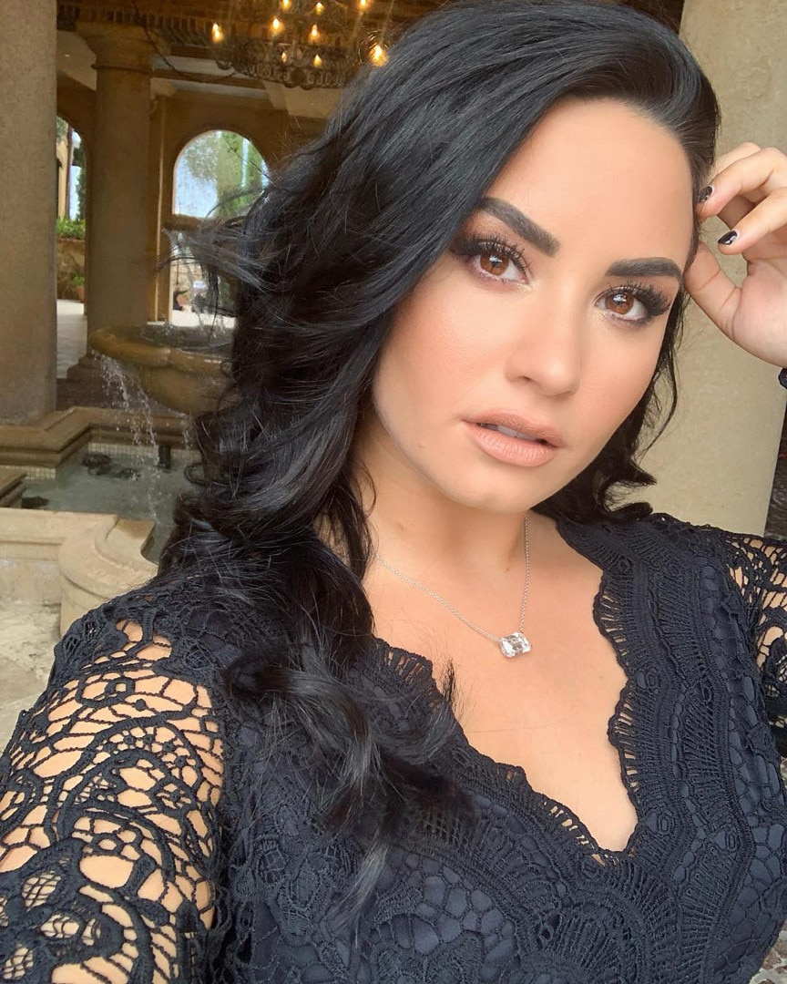 """How Demi Lovato Has """"Cleaned House"""" of Negative Influences 1 Year After  Overdose - E! Online"""