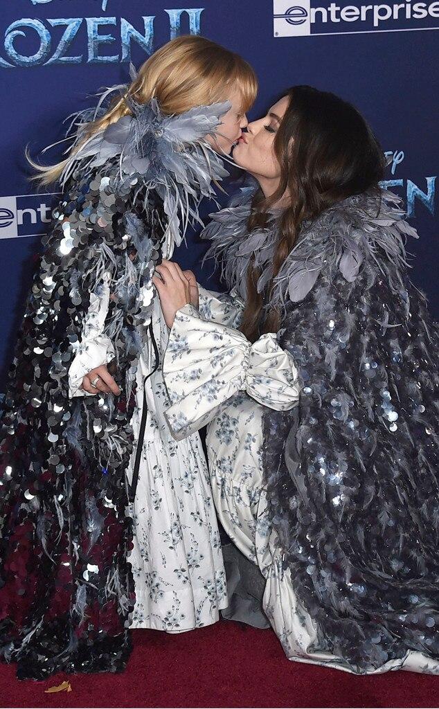 Selena Gomez, Gracie Teefey, Congelati ll premiere