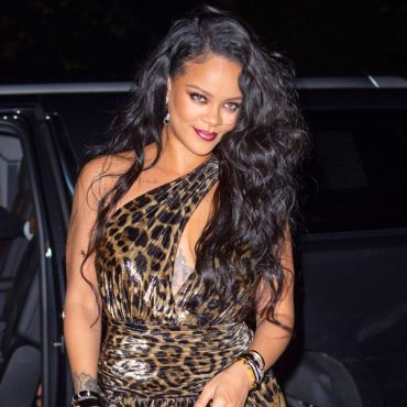 Rihanna Epically Claps Back After Being Asked the Status of Her ...
