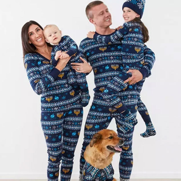Instagram-Worthy Family Christmas Card Outfits