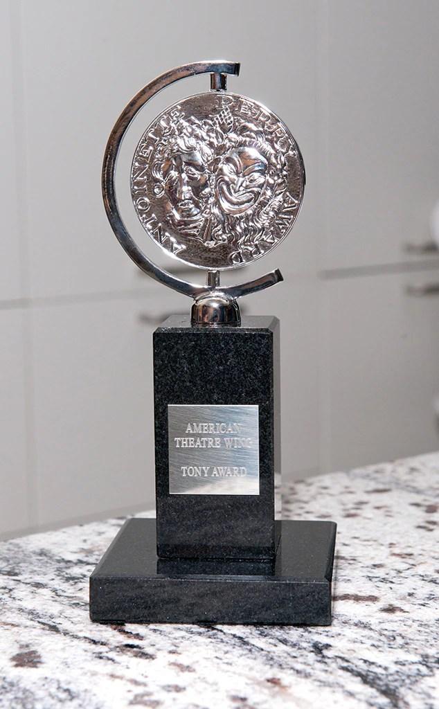Tony Awards, statua, trofeo