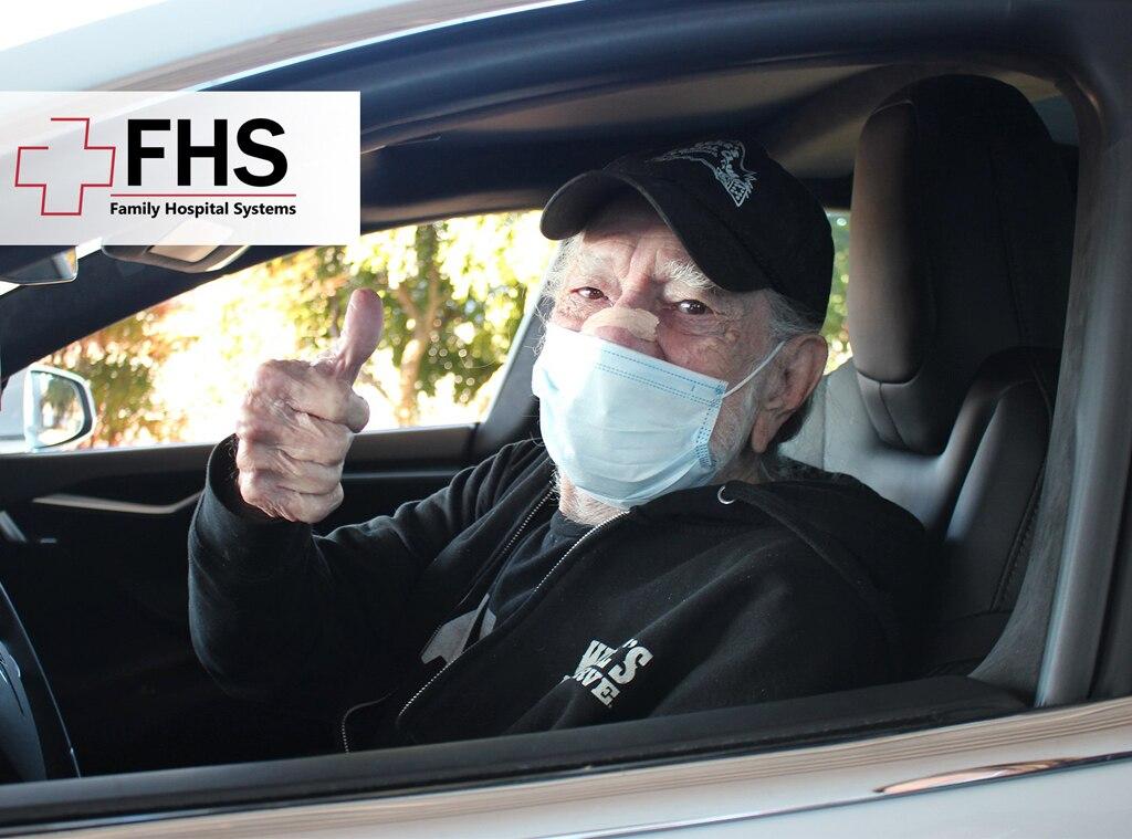 Willie Nelson, Covid 19 vaccine