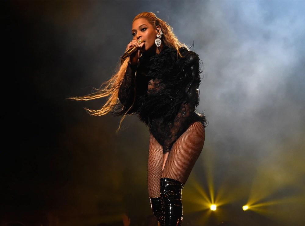 Beyonce, Performing, 2016