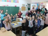 Udruženje Svitanje doniralo opremu za laboratoriju i tjelesni odgoj učenicima u Novoj Kasabi