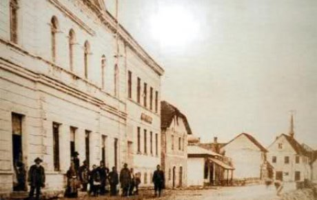 Drugo zasjedanje ZAVNOBIH-a u Sanskom Mostu