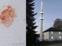 Banja Luka: Svinjskom iznutricom na džamiju