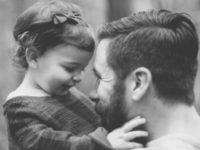 Divan je otac koji nestrpljivo čeka trenutke da bude strpljiv sa svojom djecom