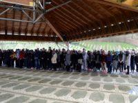 Studenti i učenici iz Tuzle u posjeti Srebrenici i Bratuncu: Ne smijemo zaboraviti genocid