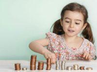 Sedam loših finansijskih navika kojima (ne)svjesno učite svoju djecu