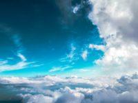 Ponekad pogledaj u nebo, to je najbolji način da pročistiš sebe od iluzija koliko si velik i nezamjenjiv!