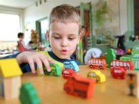 Pitanje stručnjaku: Moj sin loše održava pažnju, a treba da pođe u školu