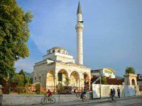 Banja Luka: Nekoliko osoba iz vatrenog oružja pucalo na džamiju Ferhadiju