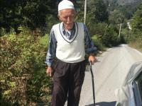 Dedo Jusuf (85) svakog petka na džumu pješači 4 kilometra
