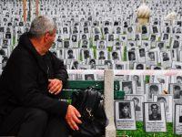 Dan bijelih traka u Sarajevu: Fotografije i igračke ubijenih Prijedorčana postavljene u Velikom parku