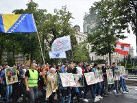 Beč: Stotine ljudi na obilježavanju 24. godišnjice genocida u Srebrenici