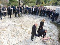 Dan državnosti BiH obilježen u Mostaru: Mora se stati u kraj skrnjavljenju Partizanskog groblja