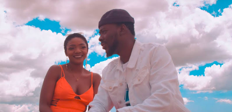 Simi finally reacts to report that her husband Adekunle Gold is sleeping with another woman