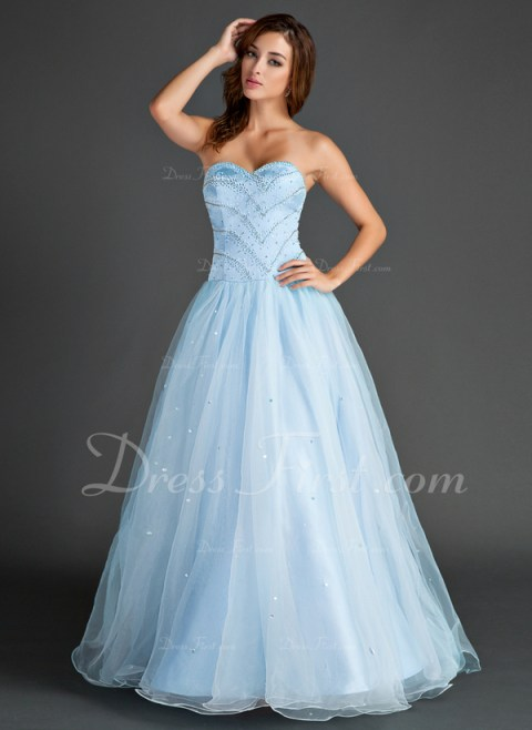 This blue dress has a very 50's style