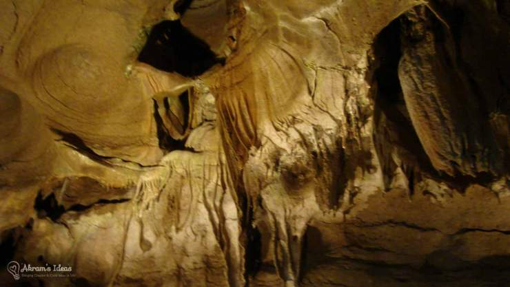 Bluff Dweller's Cavern Rock Formation