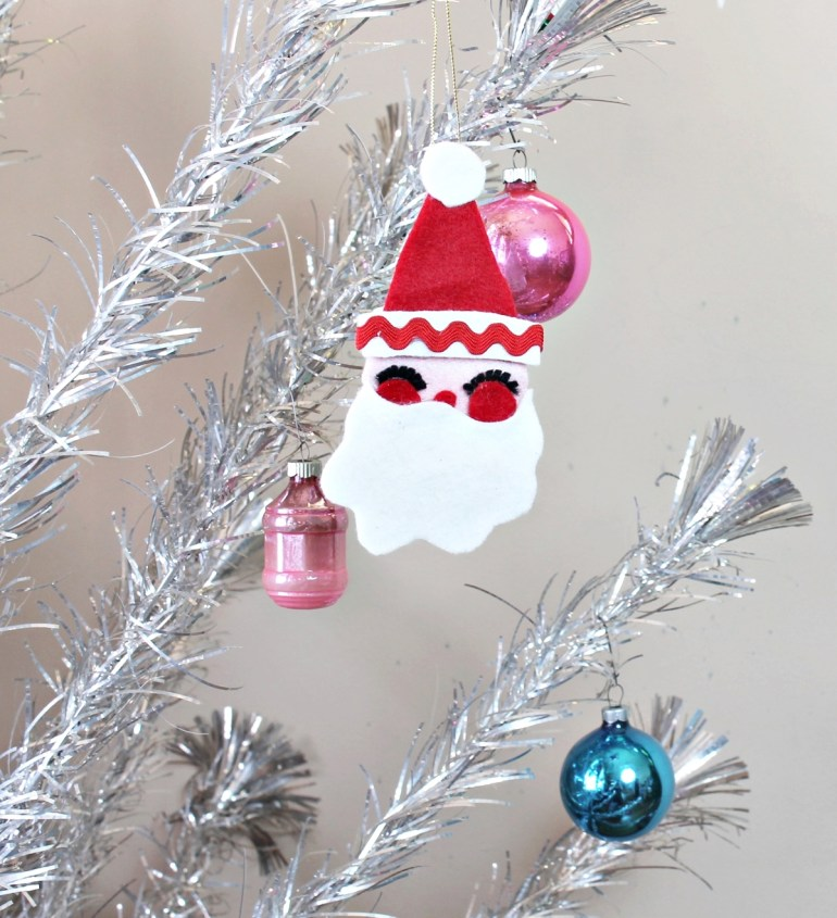 Felt Santa Ornament project from Kitschams Crafting