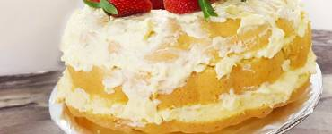 "Learn to make a sponge cake from a box cake mix and how to make a Pineapple Lush Cake with this ""Quickie Bake"" video."