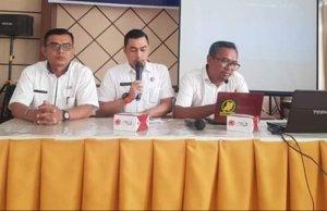 Dirut RSUD KH. Daud Arif Kuala Tungkal, dr. Elfry Syahril (tengah). Foto: Ist