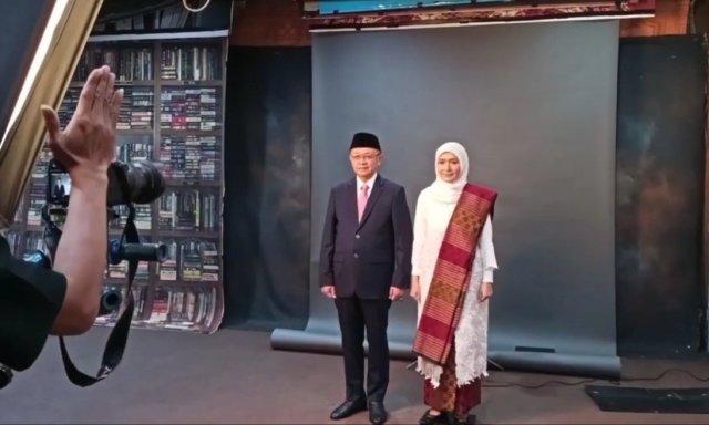 Pemotretan CE-Ratu. Foto: Tangkap layar Youtube Ratu Munawaroh Zulkifli.