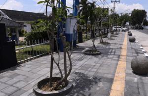 Jalur Pedestrian Pejalan Kaki yang Ramah Lingkungan di Kawasan Sipin. Foto: Instagram @humaskotajambi
