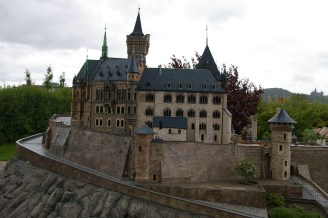 Original und Miniatur - das Wernigeröder Schloss