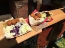 Lecker Falafel und Gemüse-Reis-Pfanne