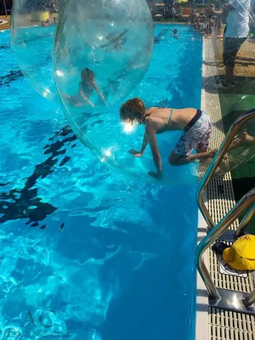 H2O Therme Bad Waltersdorf Wasserball 1