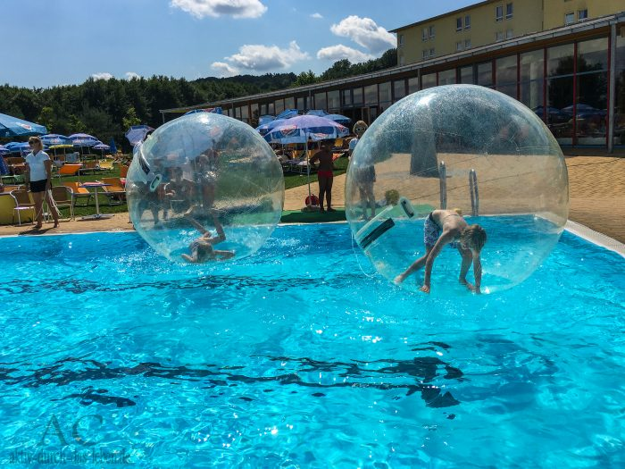 H2O Therme Bad Waltersdorf Wasserball 2