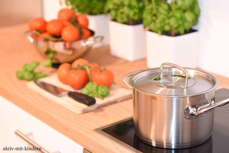 Selbst gemachte Tomatensauce für den italienischen Themenabend
