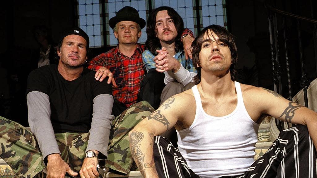 Red hot chili peppers (lebih dikenal rhcp) adalah kelompok musik rock berbasis di california yang didirikan oleh vokalis anthony kiedis, bassist michael. Red Hot Chili Peppers wystąpią pod egipskimi piramidami ...
