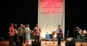 Tokoh Malari Hariman Siregar menghantar acara Peringatan 42 Tahun Peristiwa Malark di TIM Cikini, Jakarta Pusat, Jumat (15/1) malam. (Foto : Sumitro)
