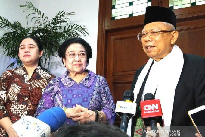 KH Ma'ruf Amin, usai bertemu dengan Ketua Umum PDI Perjuangan Megawati Soekarnoputri, di kediamannya di Menteng, Jakarta, Kamis (9/5)