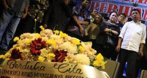 Ratusan Petugas KPPS Meninggal, Titiek Soeharto Ajak Dialog Hariman Siregar Bentuk Tim Pencari Fakta. AKTUAL/WARNOTO