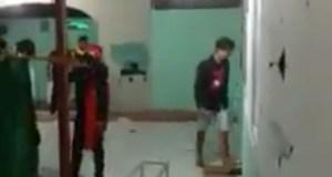 Potongan gambar dalam video aksi pengrusakan musala di salah satu kelurahan di Provinsi Sulut.