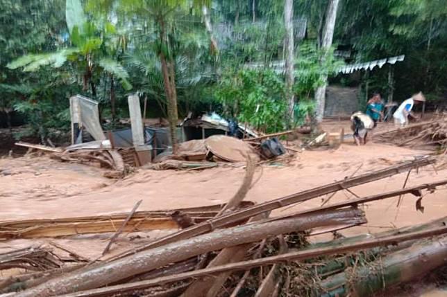 Banjir bandang terjadi di Dusun Semen , Desa Salamkanci, Kecamatan Bandongan, Kabupaten Magelang. ANTARA/HO-BPBD Kabupaten Magelang