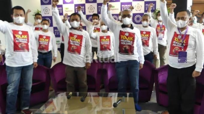 Aksi Serikat Pekerja PT Pegadaian (Persero) Menolak Holding Ultra Mikro/foto:istimewa