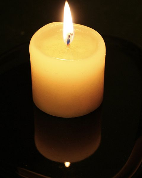 Candle-flame-and-reflection