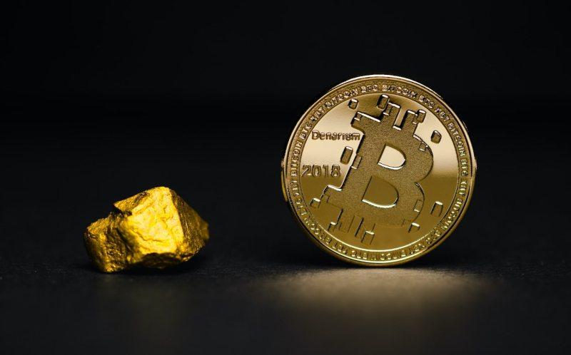 Cena Bitcoinu klesla pod 30 000 USD