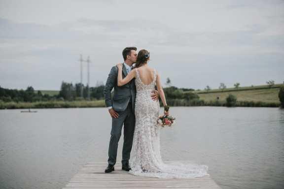 Jak najít svatebního fotografa