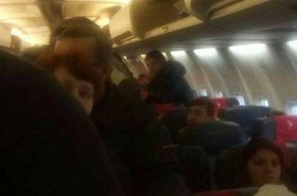 avion cu romani