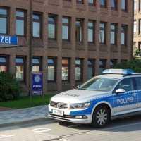 Polizei beschlagnahmt Auto und Führerschein nach irrem Autorennen
