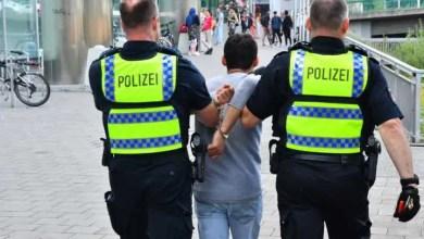 Photo of Drogenübergabe vor den Augen der Polizei – Festnahme