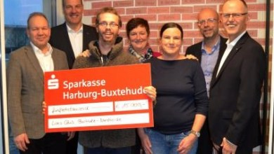 Photo of 15.000 Euro-Spende vom Lions-Club Buchholz-Nordheide an LeA