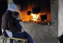 """Photo of """"Feuer und Licht"""": Besucher erleben traditionelle Lichtquellen der letzten 200 Jahre."""