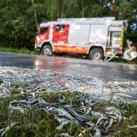 Ekel-Unfall auf der B3 bei Rade endet für Motorradfahrer glimpflich